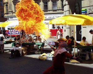 tanzgruppe-amadance-am-strassenfest-hernals-1